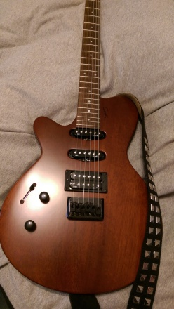 Yay for early FedEx deliveries! I introduce you all to my shiny new Godin Exit 22.